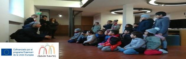 'Creando Puentes': precioso coro en la visita de MUS-E Italia Onlus al MUFOCO