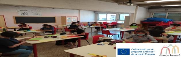 Difusión de 'Creando Puentes' en el seminario 'Praticar-arte'